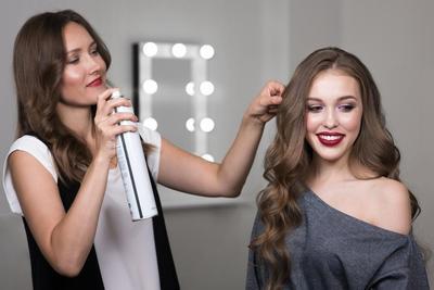 Tips Membuat Rambut Wavy yang Anti Gagal