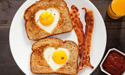 Bener Gak Sih Kalau Keseringan Makan Telur, Bisa Bikin Jerawatan dan Bisul??