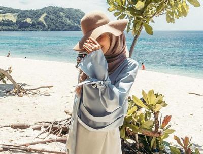Wah Ini Dia 6 Tips Menggunakan Busana Hijab untuk ke Pantai!