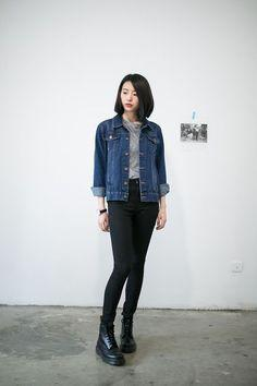 Minimalist Look with Denim Jacket and Boots