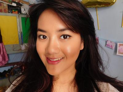Dear, Ini Loh Warna Lipstik Purbasari yang Cocok buat Kulit Kuning Langsat! Sudah punya?