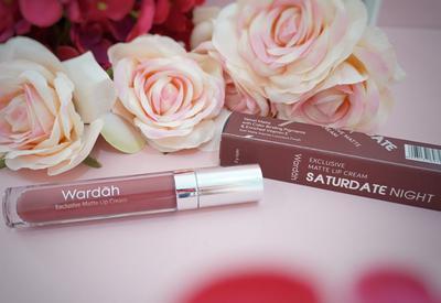 3. Wardah Exclusive Matte Lip Cream Shade 14 Honey Bee dan Shade 18 Saturdate Night
