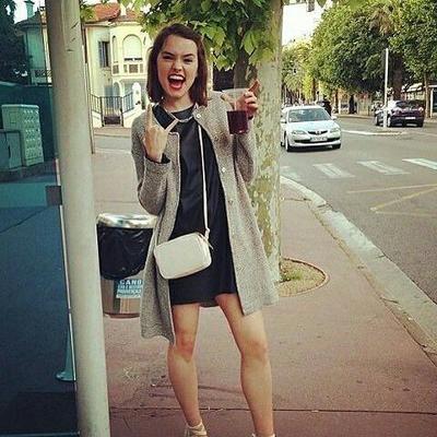 How To: Wear A Dress Like Daisy Ridley