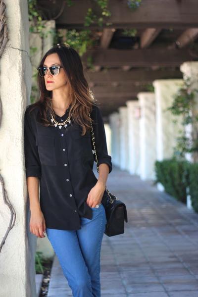 Biar Makin Hits di Kampus, Jangan Lupa Buat Lengkapi Fashion Item Ini di Lemari Kamu