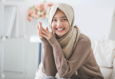 Tidak Hanya Nyaman Dipakai, Ini Dia Bahan Hijab yang Lagi Favorit di Kalangan Hijabers!