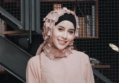 Gaya Fashionable Selebgram Memakai Hijab Rubiah Ini Harus Kamu Coba Ladies!