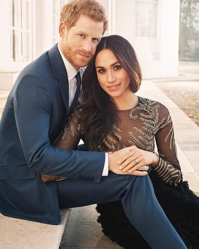 Contek yuk, Gaya Fashion Tunangan Pangeran Harry yang Modern dan Stylish Ini!