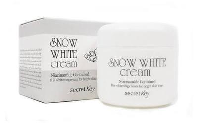 Ladies ada yang pernah coba Snow White Cream Secret Key dari Korea ini gak?