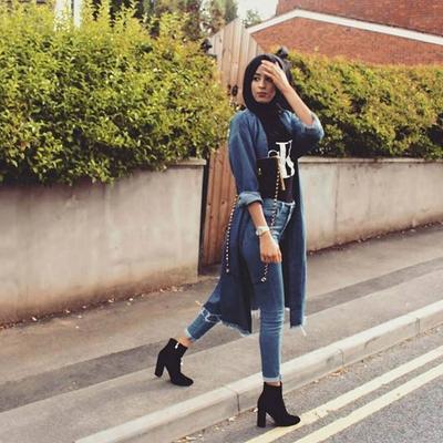 Heel Boots dengan Celana Jeans