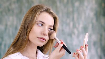 Ingin Terlihat Segar ke Sekolah? Kamu Bisa Mencoba Make Up Super Natural Ini!