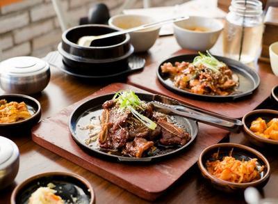 Suka Makan Banyak? Berarti Kamu Harus Coba Restoran All You Can Eat di Jakarta Ini!