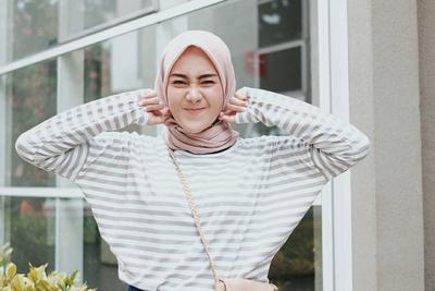 Hijabers, Punya Kulit Sawo Matang? Ini Lho Warna Hijab yang Cocok Banget Buatmu!