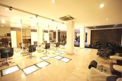Rogers Salon