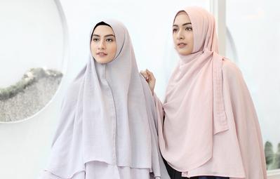 Terlihat Anggun! Ini Dia Bahan Hijab Syar'i yang Sedang Hits di Kalangan Hijabers!