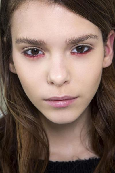 Inilah Cara Mudah Mengaplikasikan Eyeliner Tanpa Terlihat Aneh, Ladies!