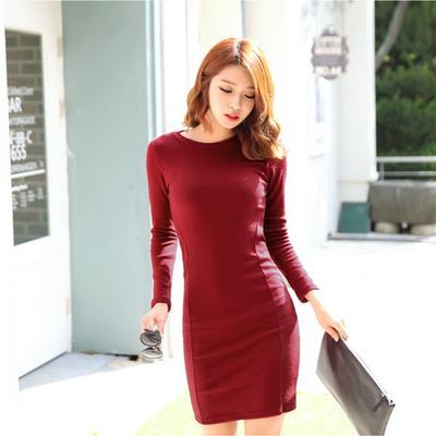 Dijamin Anti Norak, Ini Dia Tips Pakai Dress Merah Supaya Terlihat Lebih Natural