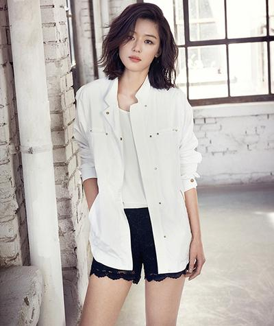 Sst, Contek Rahasia Jun Ji-hyun Tentang Rahasia Perawatan Wajahnya yuk!