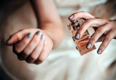 Jangan Abaikan, Ini Cara Memakai Parfum Agar Tahan Lama untuk yang Mudah Berkeringat!