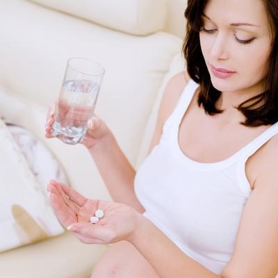 Kesel Jerawat Enggak Kunjung Hilang? Coba Atasi dengan Obat Telan Ini Ladies!