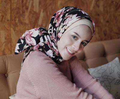 Agar Lebih Rapi dan Cantik, Cobain Cepol Hijab Ini Saat ke Pesta yuk Ladies!