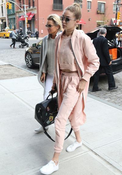 Gigi Hadid: Kesatuan Warna