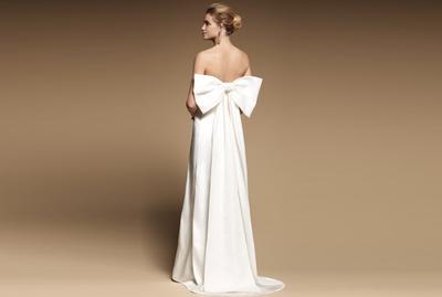 Gaun Pernikahan Seperti Apa yang Akan Tren di Tahun 2018? Ini Dia Beberapa Daftarnya!