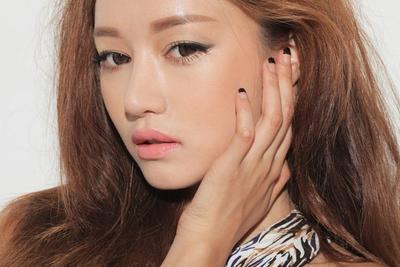 Ladies, Tanpa Kamu Sadari Ini Dia Warna Lipstik yang Bikin Wajah Kusam!