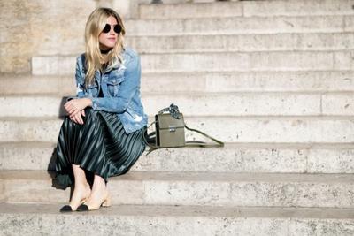 Pleated Skirt & Heels