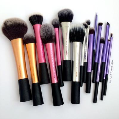 Jadi Brush Andalan Beauty Influencer. Real Techniques Emang Sebagus Itu Ya?