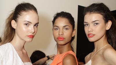 Ingin Mengetahui Undertone Warna Kulit Kamu? Coba Cek dengan 4 Tips Mudah Ini, Ladies!