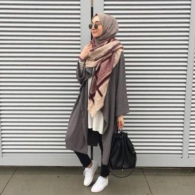 Pashmina atau Scarf untuk Variasi Gaya Hijab