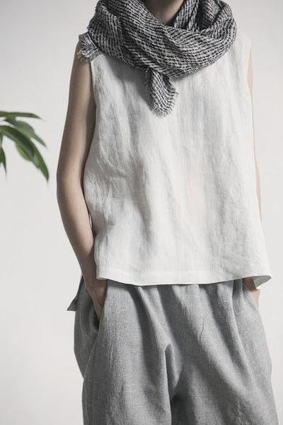 Untuk Berkegiatan Seharian, Pilih Scarf dengan Bahan Linen