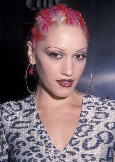 Sebelum Alis Cetar Kekinian, Ternyata Inilah Tren Make Up yang Hits di Tahun 2000-an, Ladies!