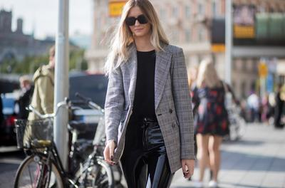 Ladies, Intip Inspirasi Untuk Tampil Stylish Dengan Menggunakan Blazer Yuk!