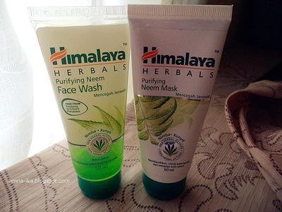 Himalaya Neem Face Wash dan Neem Mask, produk herbal ampuh untuk mengatasi jerawat beruntusan, memang benar ?