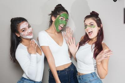 Intip Cara Benar Memakai Clay Mask untuk Si Pemilik Kulit Wajah yang Kering