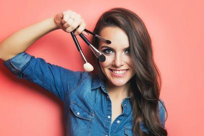 Mana yang Lebih Baik, Brush Makeup Sintetis atau Bulu Asli? Cek di Sini Sebelum Membeli!