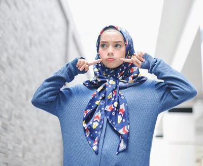 Dear Hijabers.. Apa model hijab yang sesuai untuk bentuk wajah kecil?