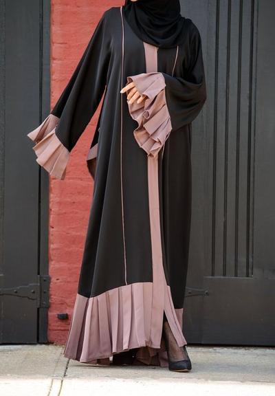 Nah, Ini Dia Tips Dan Inspirasi Style Abaya Agar Lebih Fresh dan Tidak Terkesan Tua!