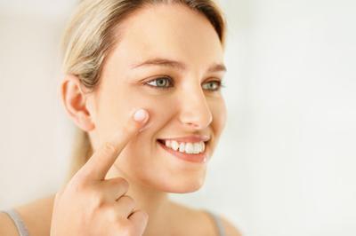 Tidak Hanya Bedak dan Lipstik, Ini Cara Make Up Natural yang Flawless untuk ke Kampus
