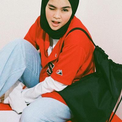 Sivia Azizah, Hijabers Edgy yang Selalu Tampil dengan Gaya Hijab Boyish dan Asik