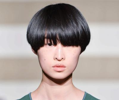 Kamu Memiliki Rambut Tebal? Jangan Asal Pilih, Coba Gaya Rambut Ini, Ladies!