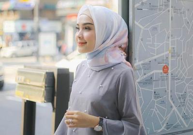 Bingung Mau Ke Pesta? Yuk Contek Warna Hijab yang Cocok di Pakai Ke Kondangan! Dijamin Makin Cantik!