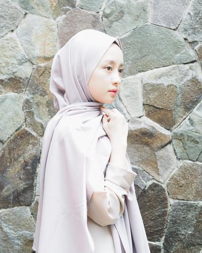 3. Hijab Tanpa Jarum Pentol