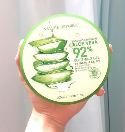 Biar Gak Bruntusan! Penggunaan Nature Republic Aloe Vera Gel Boleh Dicampur Produk Lain Gak Yaa?