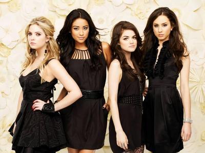 Tampil Classy dengan 4 Inspirasi Little Black Dress dari Selebriti Hollywood ini