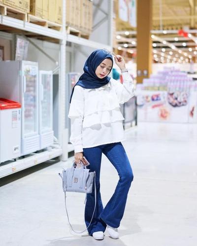 Fashionable Banget, Cobain Flare Pants Untuk Lengkapi Style Hijab Kamu yuk!
