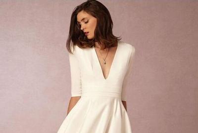 Pilihan Dress Ini Bakal Cocok Banget untukmu yang Memiliki Bahu Lebar
