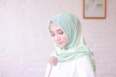 Ssst! Ini Dia Rahasia Style Hijab Agar Terlihat Tirus! Cobain Yuk!