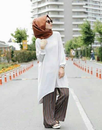 Anggun dan Elegan, Tips Fashion Hijab dengan Style Tunik Kekinian Ini Wajib Kamu Coba